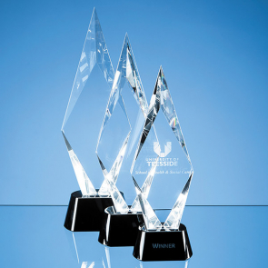 Optical Crystal Facet Mounted Peak Award with Onyx Black Base