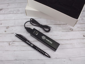 Gift Set - 2200 mAh Aluminium Powerbank with matching Pen