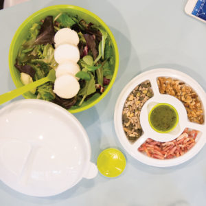 Salad Box to-go to promote employee healthy eating